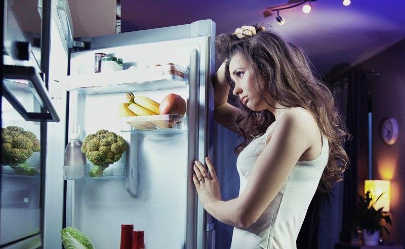 8 продуктов, от которых стоит отказаться во время поздних вечерних перекусов