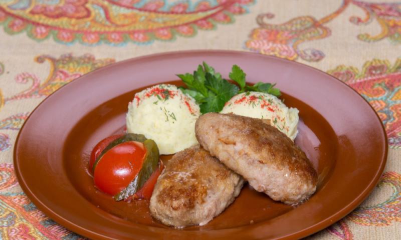 Котлеты из индюшиного фарша — 5 вкусных рецептов приготовления