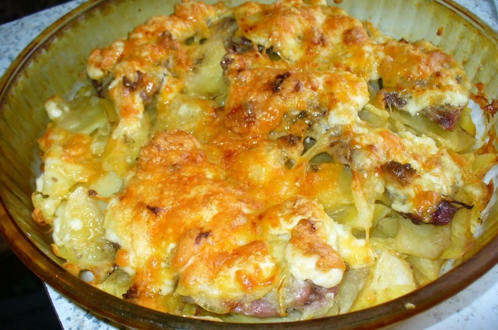 Курица по-французски в духовке − 5 рецептов приготовления