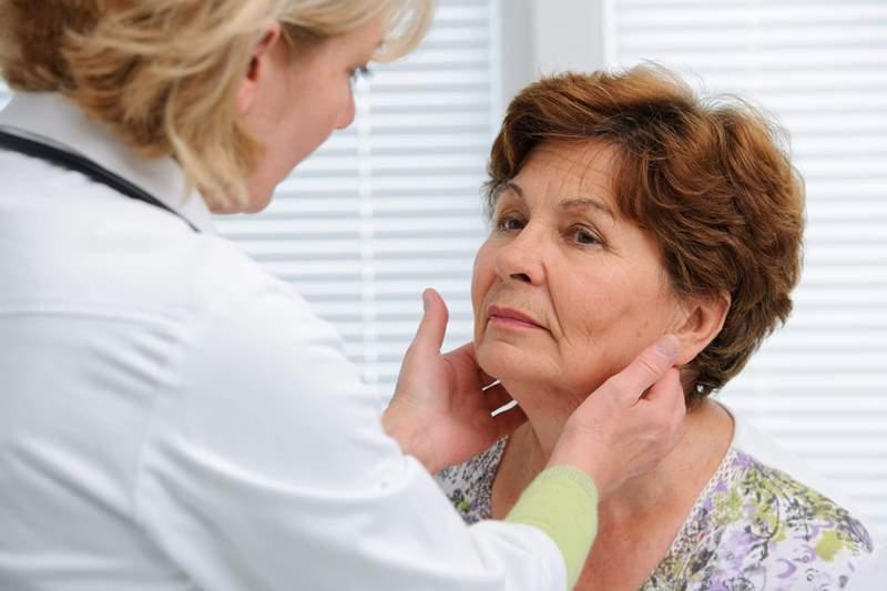 Эндокринолог: «При проблемной щитовидке обязательно каждый день съедайте минимум 1 желток»