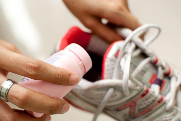 Как избавиться от запаха в обуви самыми простыми способами