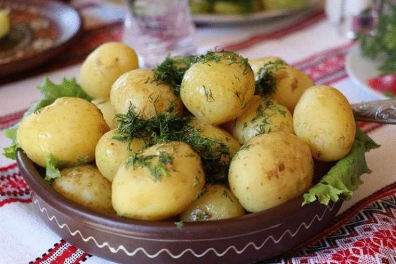 Семь вкуснейших способов приготовить молодой картофель