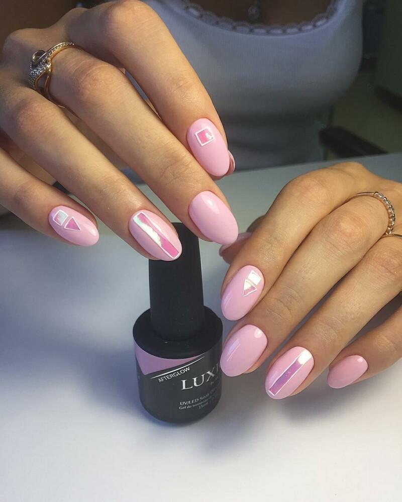 Прекрасный маникюр в нежно-розовом цвете весна — лето