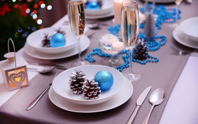 Сервировка новогоднего стола 2020: 22 шикарных варианта