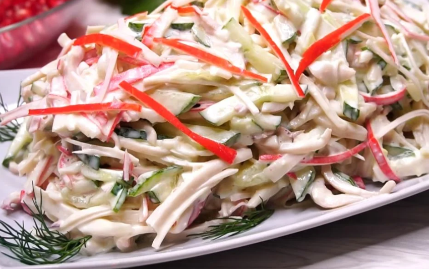 «Мечта гурмана»: спасибо маме за рецепт — чудесный салат с кальмарами