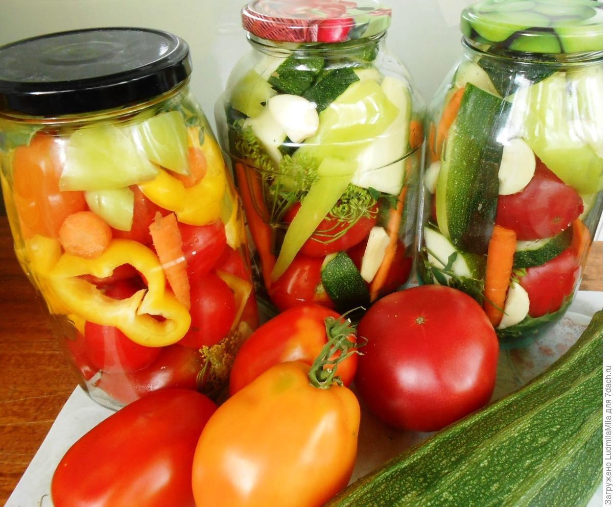 Ассорти из урожая овощей