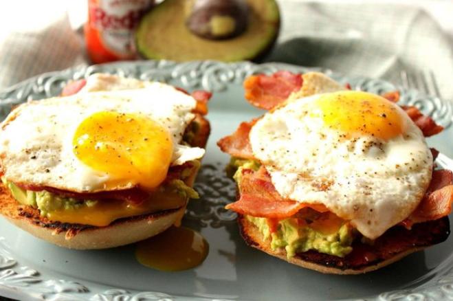 Готовим яйца еще проще и быстрее: 10 классных лайфхаков