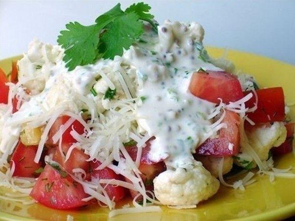 ПП-салат из цветной капусты с помидорами