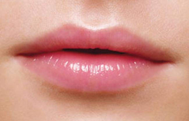Попробуйте этот бальзам и тонер для сочных розовых губ