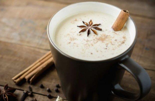 Как приготовить коричное молоко для похудения и здоровья кожи