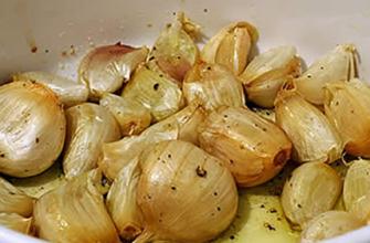 Этот рецепт чесночного супа может победить простуду, грипп и даже норовирус