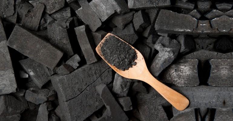 8 полезных свойства активированного угля для кожи, похмелья и деинтоксикации